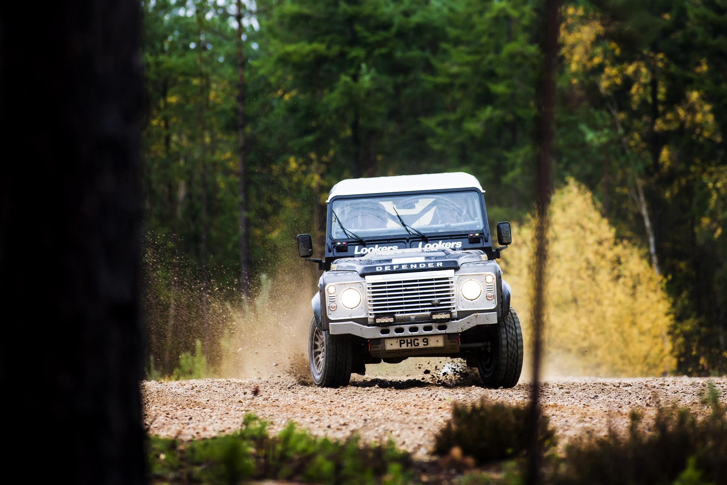 Land Rover Defender Challenge 2015 - round 5