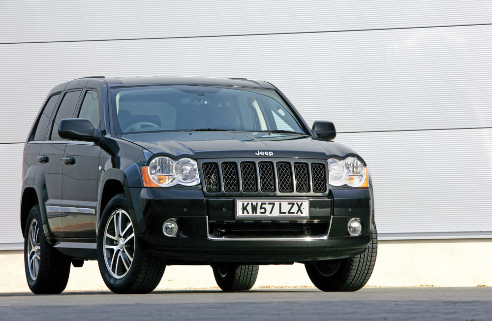 buying used jeep grand cherokee 2005 2010 4x4 magazine. Black Bedroom Furniture Sets. Home Design Ideas