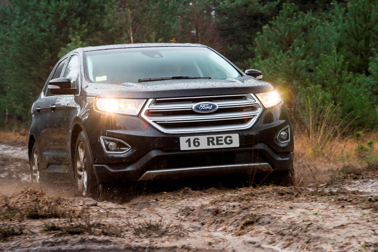 1122372_The all-new Edge is well-equipped, offering Ford intelligent all-wheel drive as standard