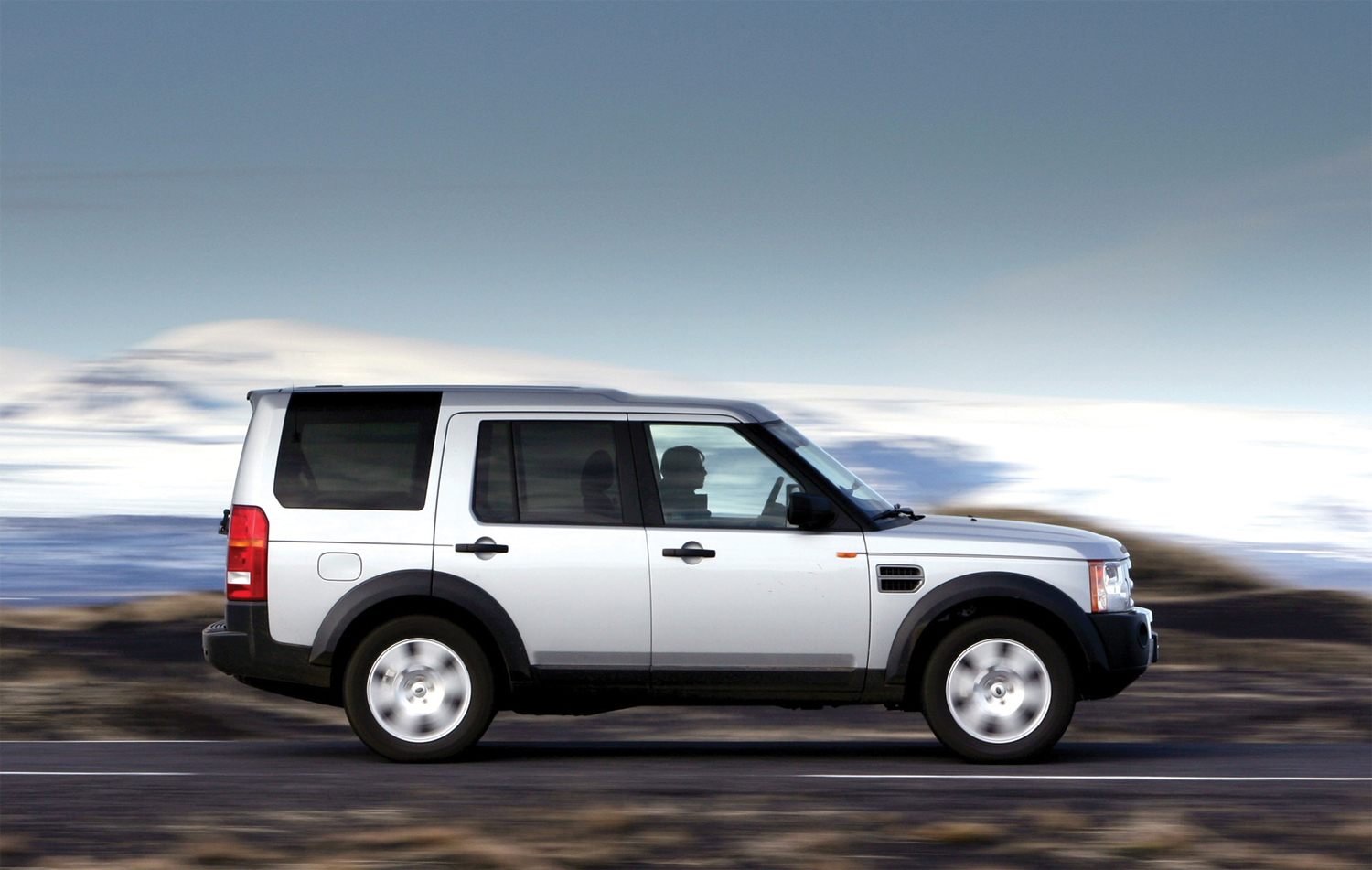 land rover discovery 3 buyers guide. Black Bedroom Furniture Sets. Home Design Ideas