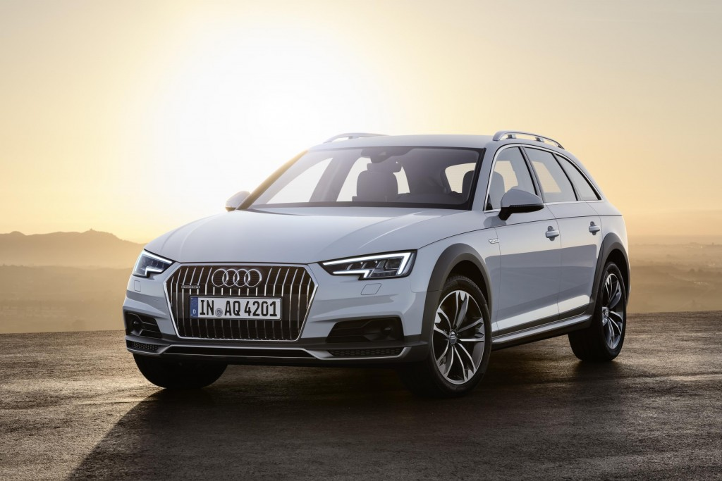 The new 252 PS Audi A4 allroad quattro 2.0 TFSI S tronic will be the first Audi to adopt the latest quattro ultra drivetrain. This advanced system predicts when front or all-wheel drive is most suitable, trimming CO2 and increasing overall MPG.