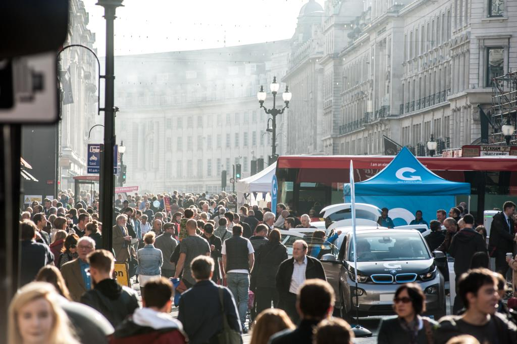 low-emission-motoring-zone-at-the-regent-street-motor-show-1