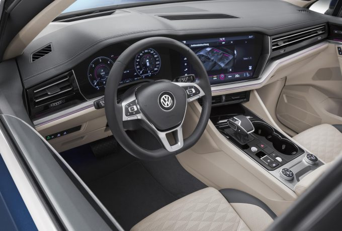 New Touareg – blue – interior (20)