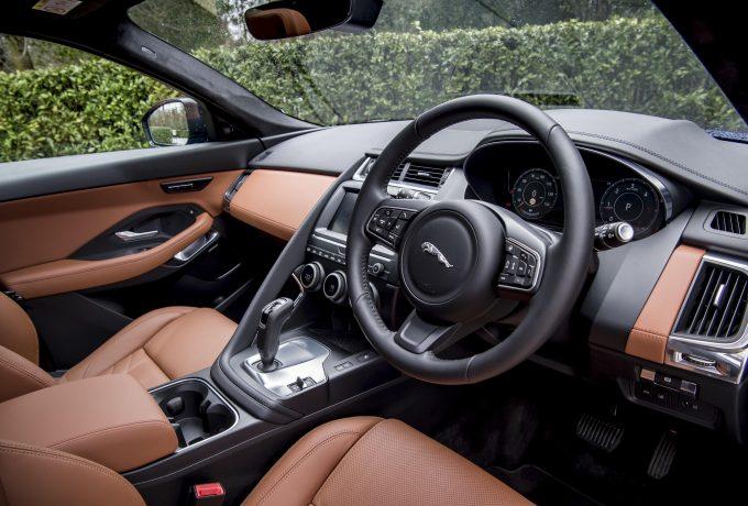 Jaguar_E-PACE_D180_270318_036