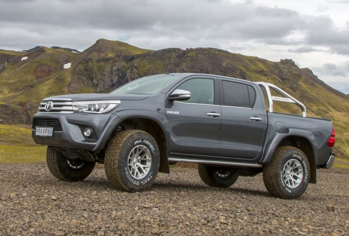 Toyota-Hilux-AT35-MY2017-Iceland-1-media