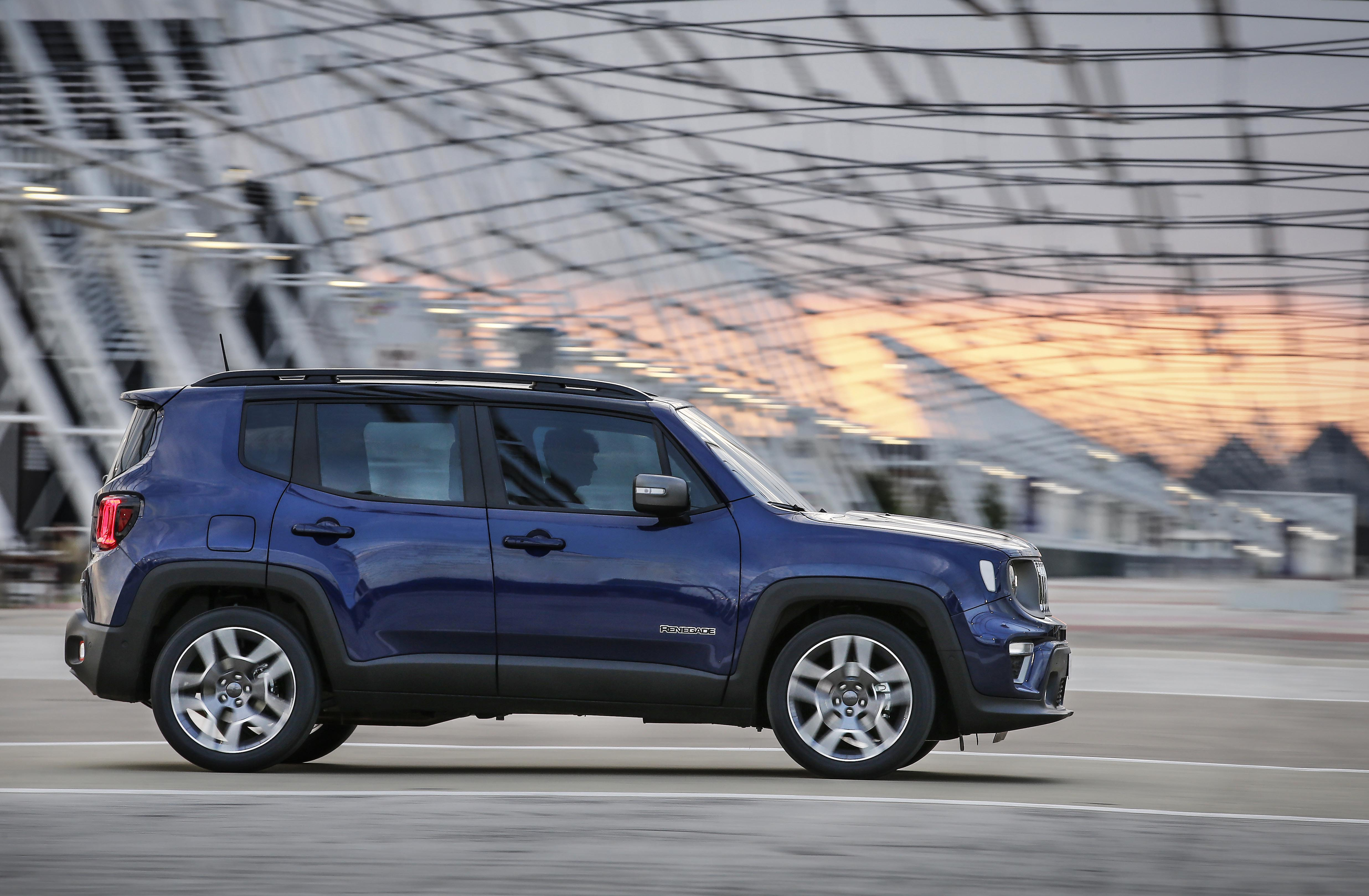 first drive 2019 jeep renegade 4x4 magazine. Black Bedroom Furniture Sets. Home Design Ideas