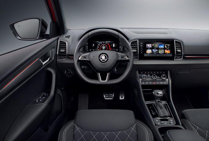 180802-ŠKODA-KAROQ-SPORTLINE_steering_wheel