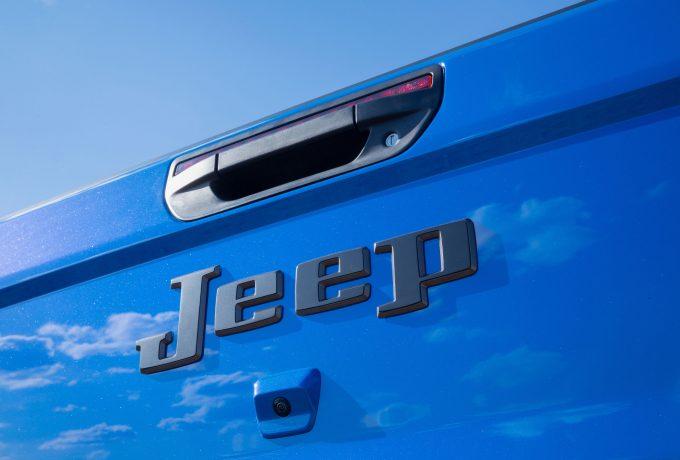 Jeep J6_2