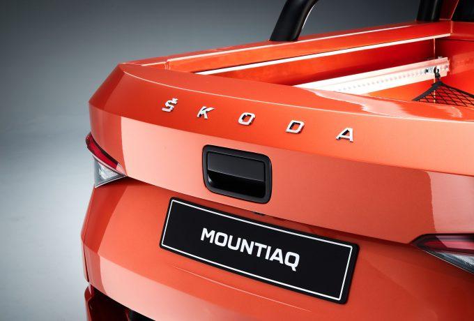 Mountiaq_Skoda_lettering