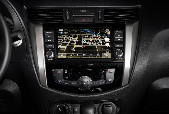 Nissan Navara Double Cab – Interior 4